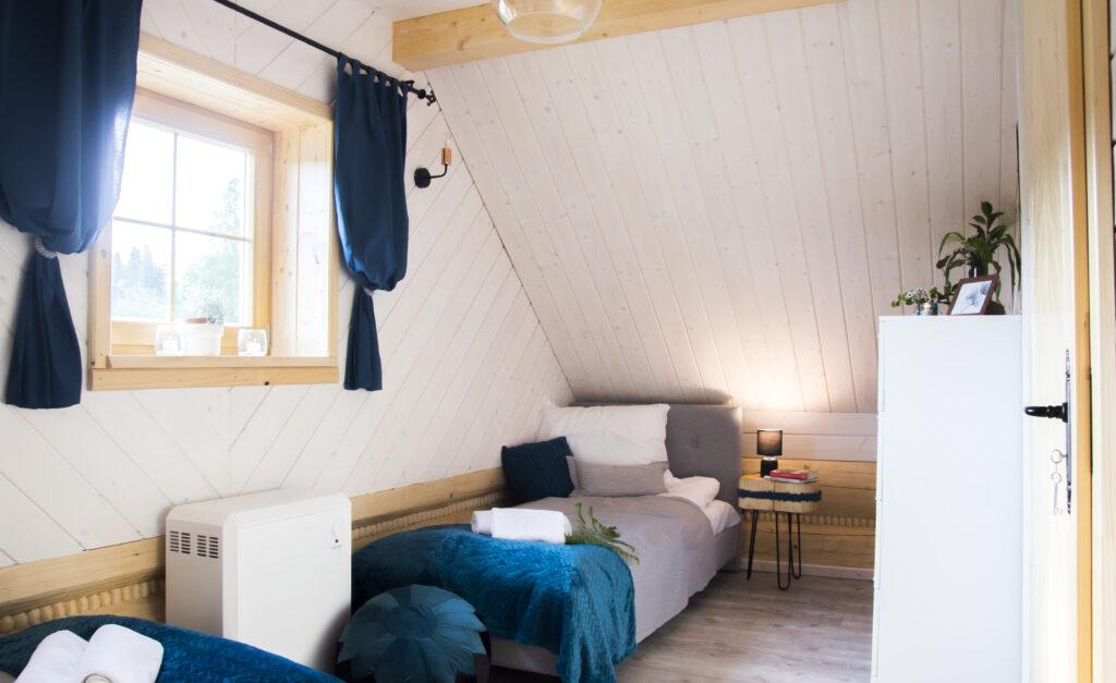 Sypialnia nr 2 na górze - dwa łóżka pojedyńcze